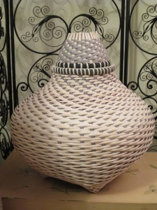 Basket with Unfinished Lid